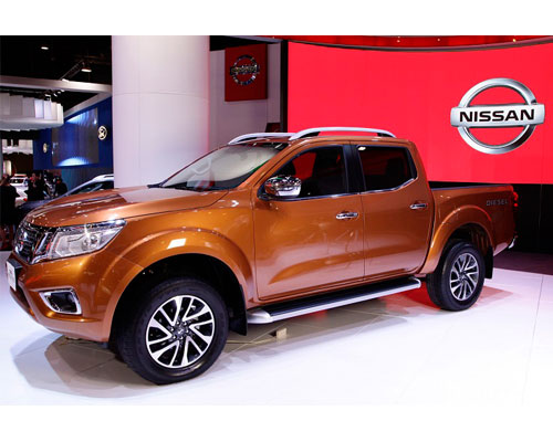 _2018-Nissan-Frontier-side