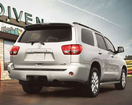 2018-Toyota-Sequoia-back