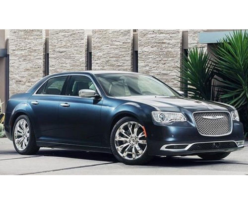 2018-Chrysler-300-side