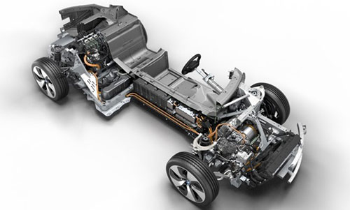 2018-BMW-i8-Roadster-engine