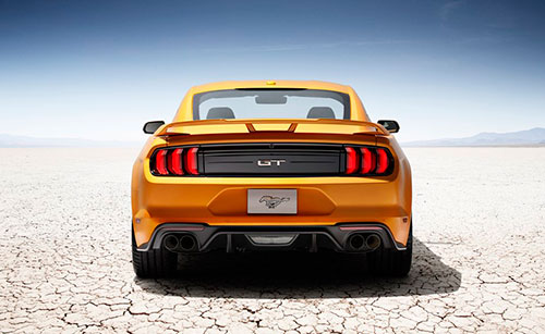 2018-Ford-Mustang-back